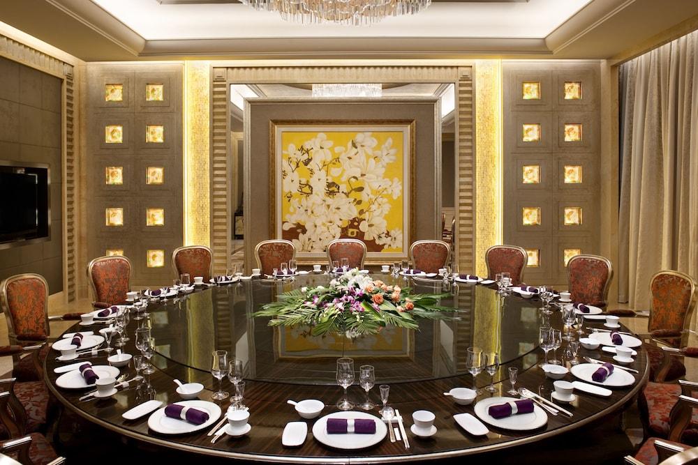 힐튼 항저우 칭다오 레이크 리조트(Hilton Hangzhou Qiandao Lake Resort) Hotel Image 51 - Family Dining
