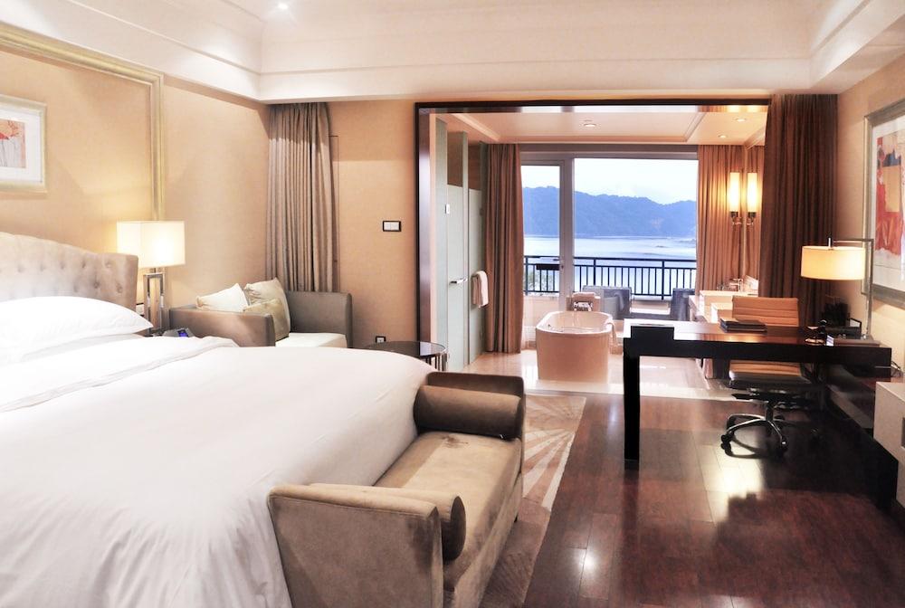 힐튼 항저우 칭다오 레이크 리조트(Hilton Hangzhou Qiandao Lake Resort) Hotel Image 17 - Guestroom