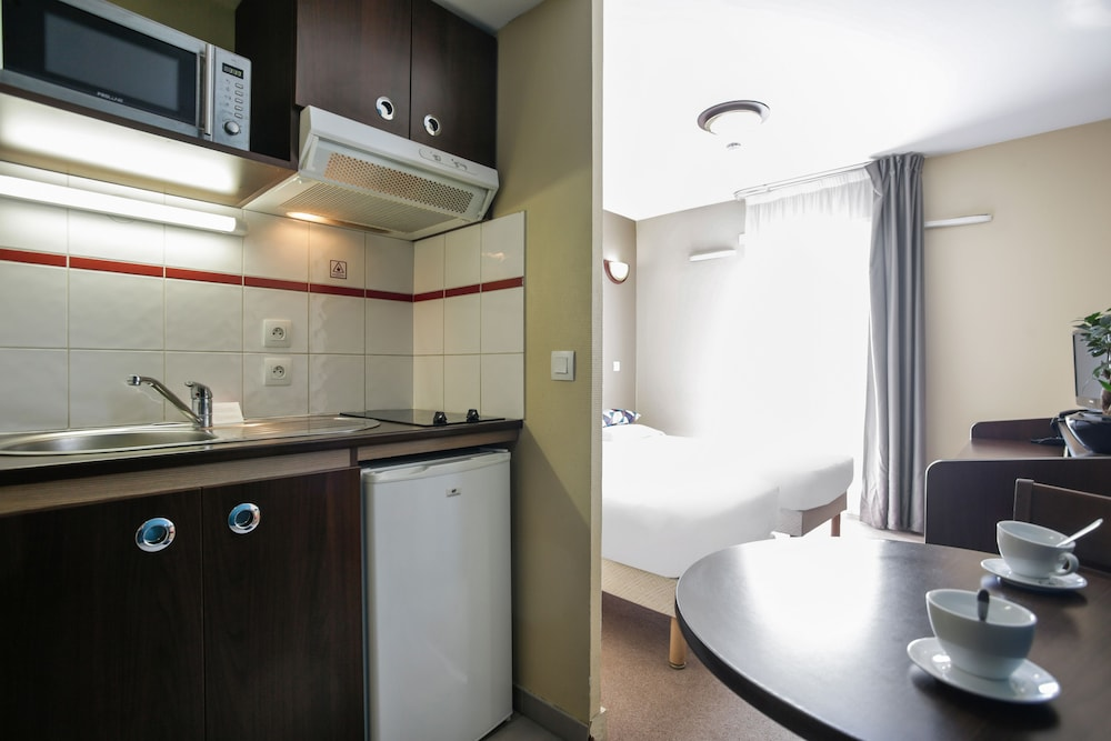 아파트시티 니스 아크로폴리스(Appart'City Nice Acropolis) Hotel Image 23 - In-Room Kitchenette