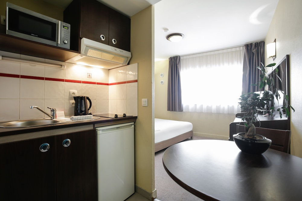 아파트시티 니스 아크로폴리스(Appart'City Nice Acropolis) Hotel Image 47 - In-Room Kitchenette