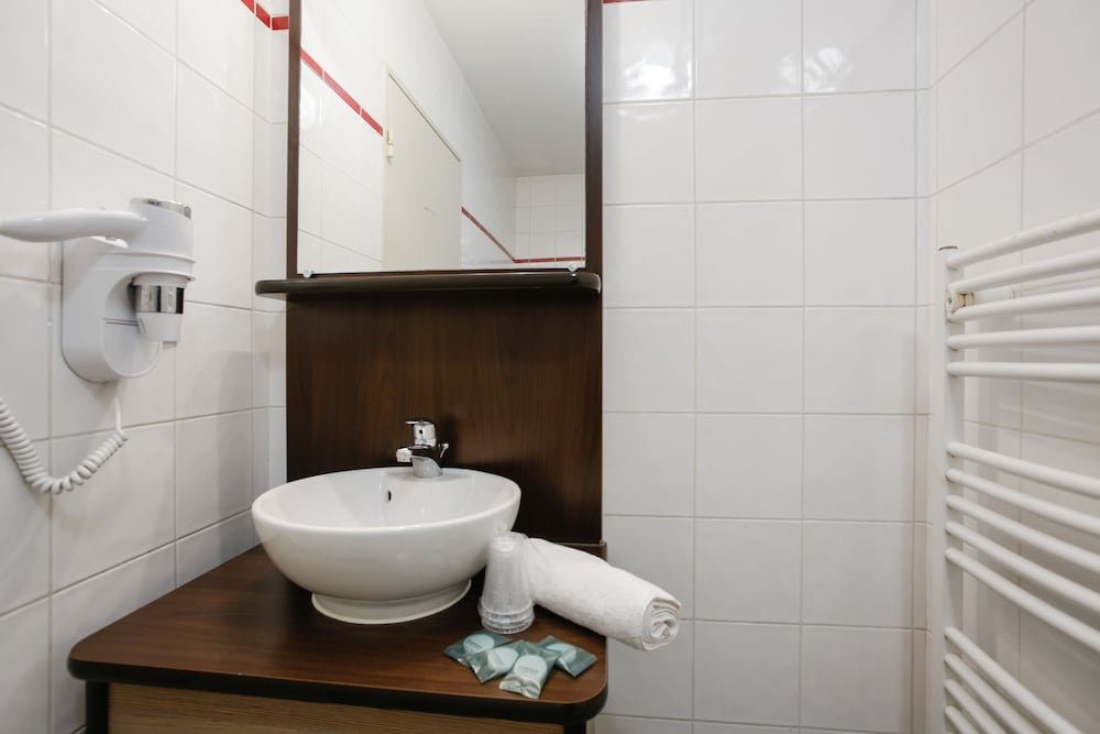 아파트시티 니스 아크로폴리스(Appart'City Nice Acropolis) Hotel Image 38 - Bathroom