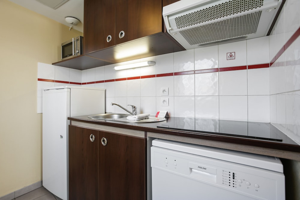 아파트시티 니스 아크로폴리스(Appart'City Nice Acropolis) Hotel Image 27 - In-Room Kitchenette