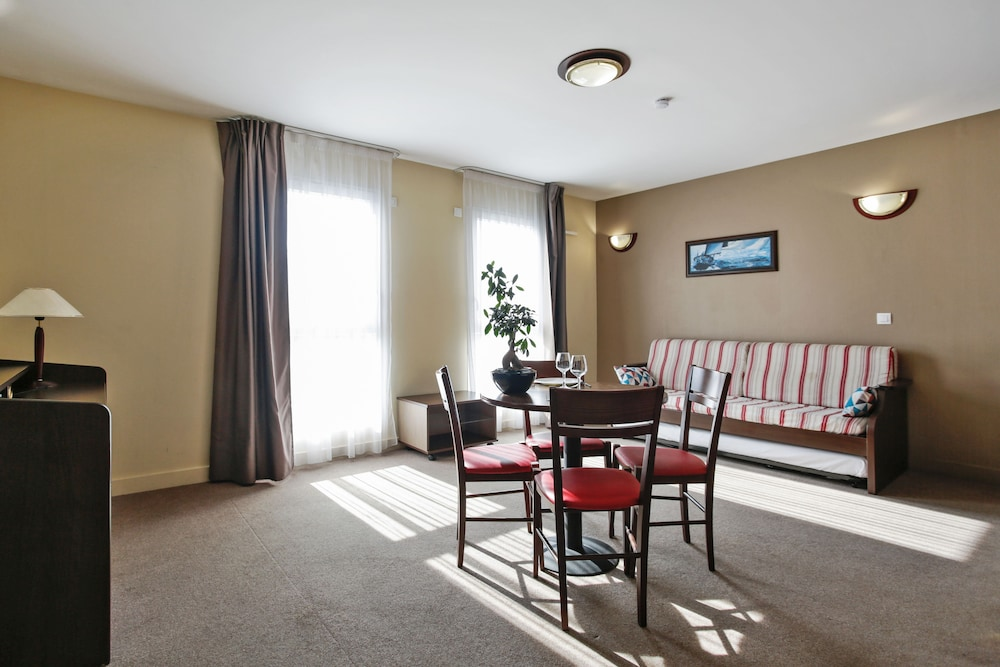 아파트시티 니스 아크로폴리스(Appart'City Nice Acropolis) Hotel Image 30 - Living Room