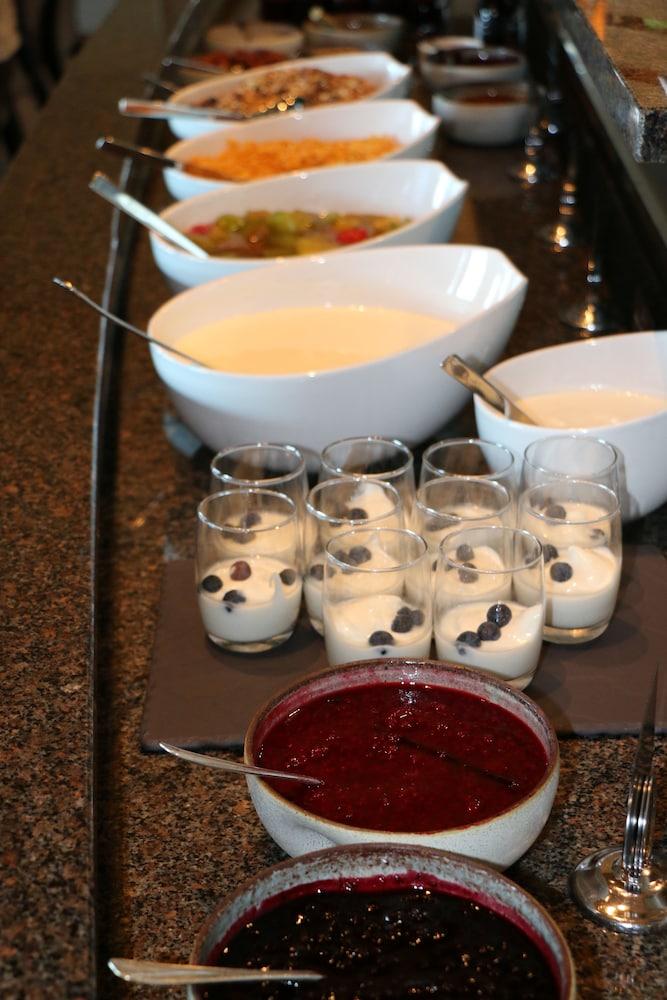 리세부 호텔(Lysebu Hotel) Hotel Image 35 - Breakfast buffet
