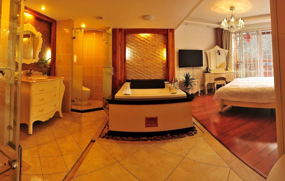 밤부 하우스 리조트(Bamboo House Resort) Hotel Image 6 - Living Area