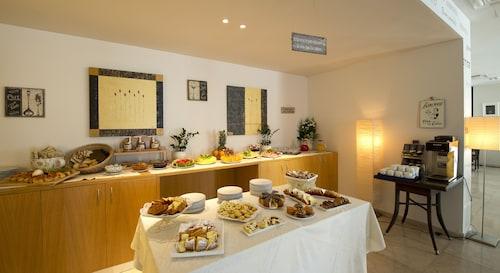 Hotel delle Fiere, Como
