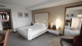 Suite, Business Lounge Access