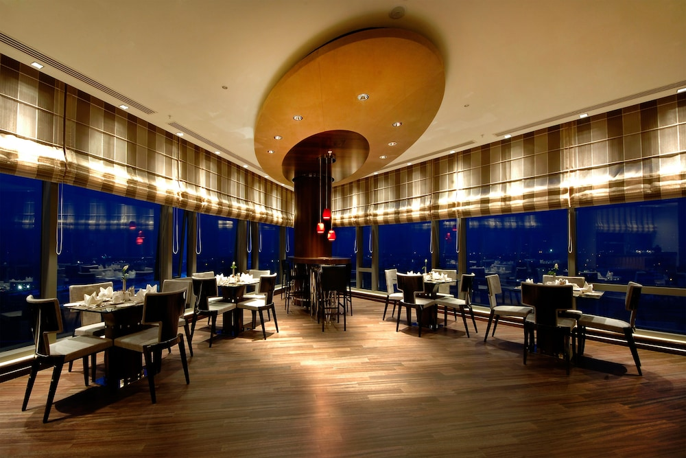 힐튼 부르사 컨벤션 센터 & 스파(Hilton Bursa Convention Center & Spa) Hotel Image 97 - Food Court