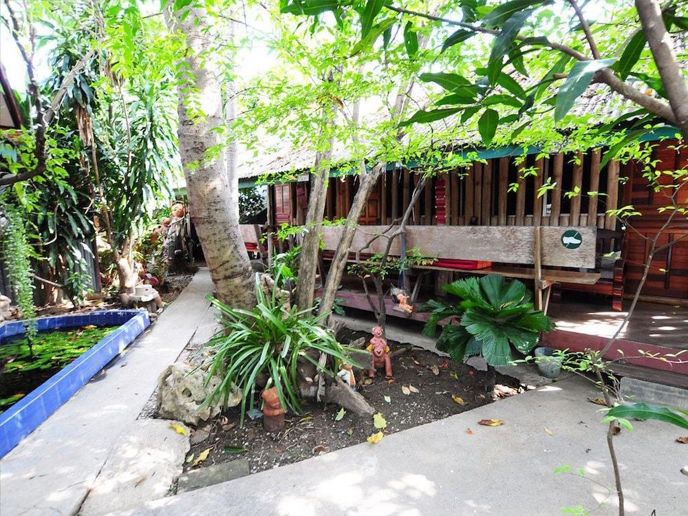 수코타이 게스트 하우스(Sukhothai Guest House) Hotel Image 22 - Exterior