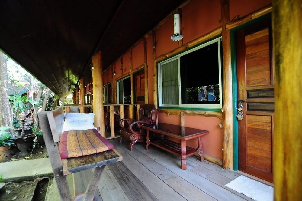 수코타이 게스트 하우스(Sukhothai Guest House) Hotel Image 14 - Terrace/Patio