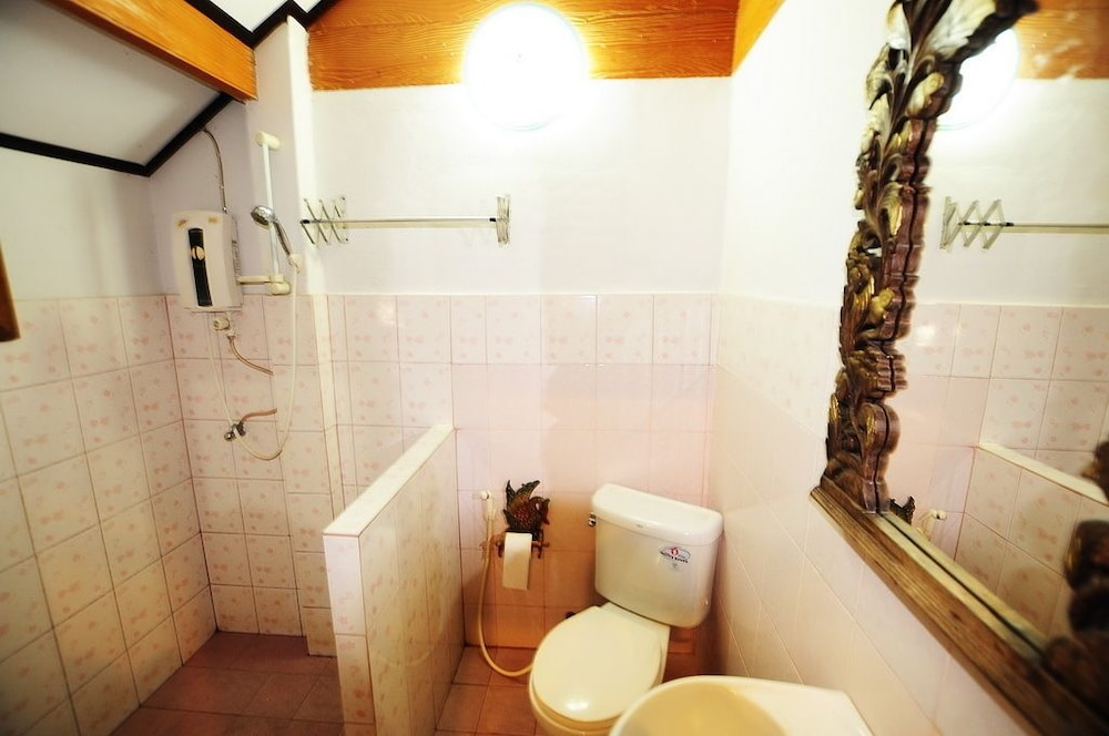 수코타이 게스트 하우스(Sukhothai Guest House) Hotel Image 18 - Bathroom