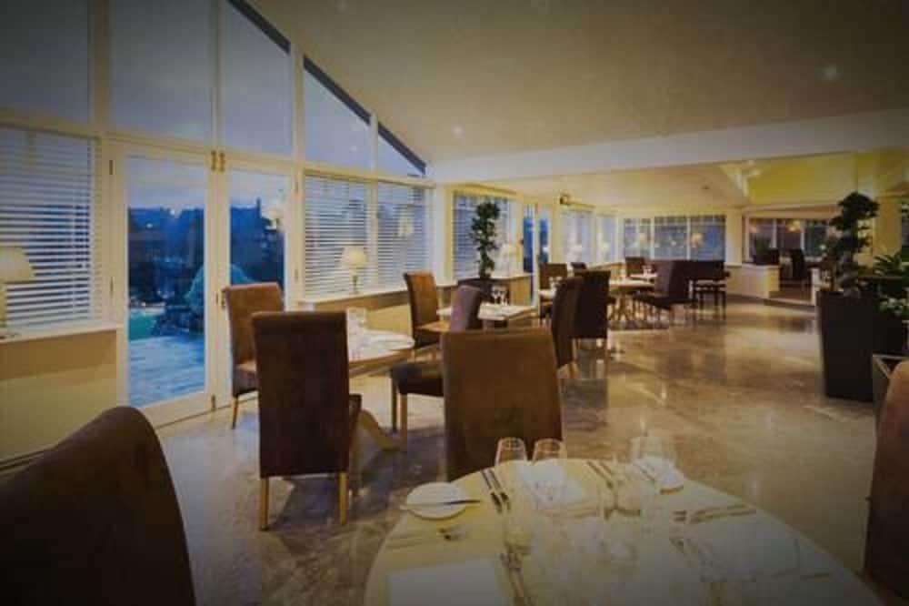 더 라이벡 컨트리 하우스 & 레스토랑(The Ryebeck Country House & Restaurant) Hotel Image 39 - Restaurant