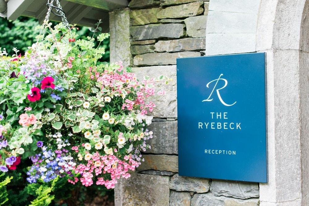 더 라이벡 컨트리 하우스 & 레스토랑(The Ryebeck Country House & Restaurant) Hotel Image 48 - Hotel Entrance