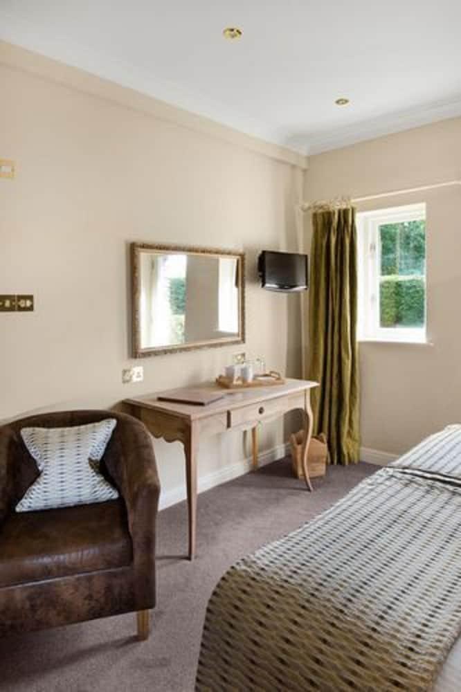 더 라이벡 컨트리 하우스 & 레스토랑(The Ryebeck Country House & Restaurant) Hotel Image 21 - In-Room Amenity
