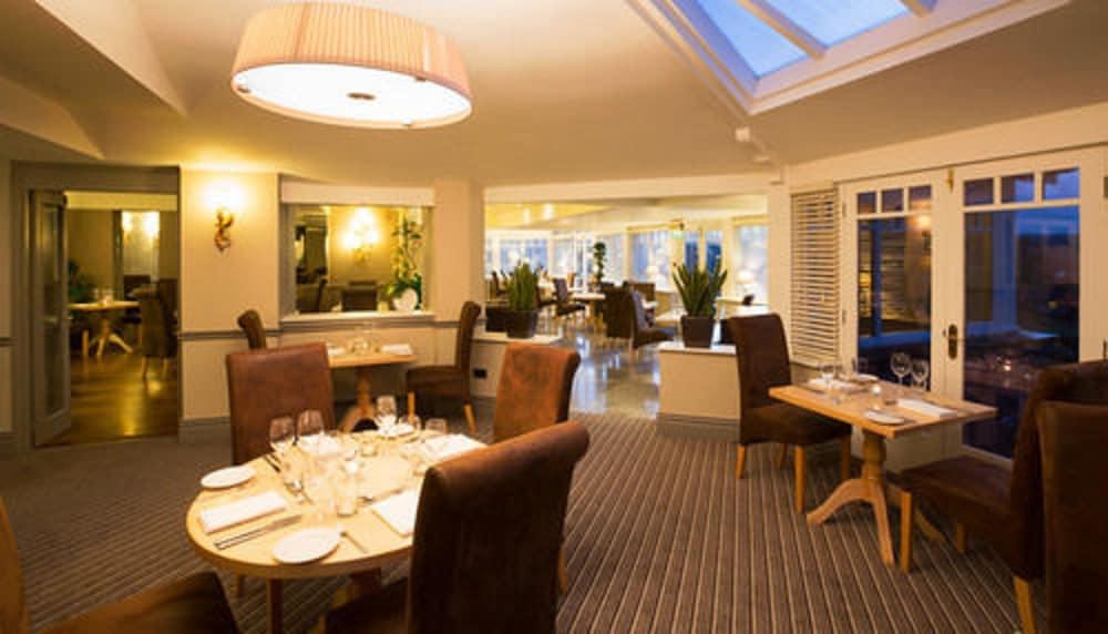 더 라이벡 컨트리 하우스 & 레스토랑(The Ryebeck Country House & Restaurant) Hotel Image 40 - Restaurant