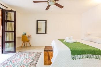 Standard Room, 1 Queen Bed, Garden View
