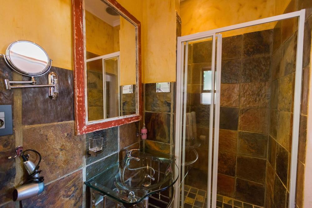 스위트 올리브 게스트하우스(Sweet Olive Guesthouse) Hotel Image 18 - Bathroom