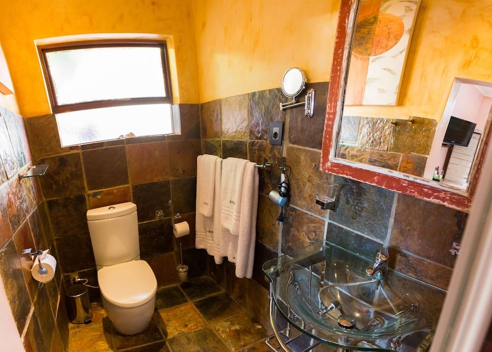 스위트 올리브 게스트하우스(Sweet Olive Guesthouse) Hotel Image 19 - Bathroom