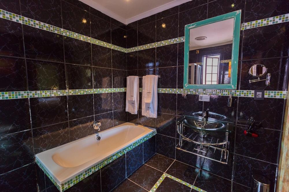 스위트 올리브 게스트하우스(Sweet Olive Guesthouse) Hotel Image 20 - Bathroom