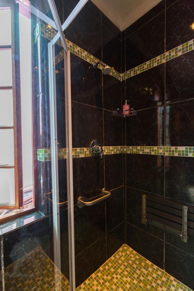 스위트 올리브 게스트하우스(Sweet Olive Guesthouse) Hotel Image 41 - Bathroom