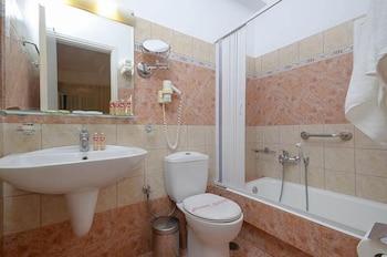 아스티르 오브 낙소스(Astir of Naxos) Hotel Image 23 - Bathroom