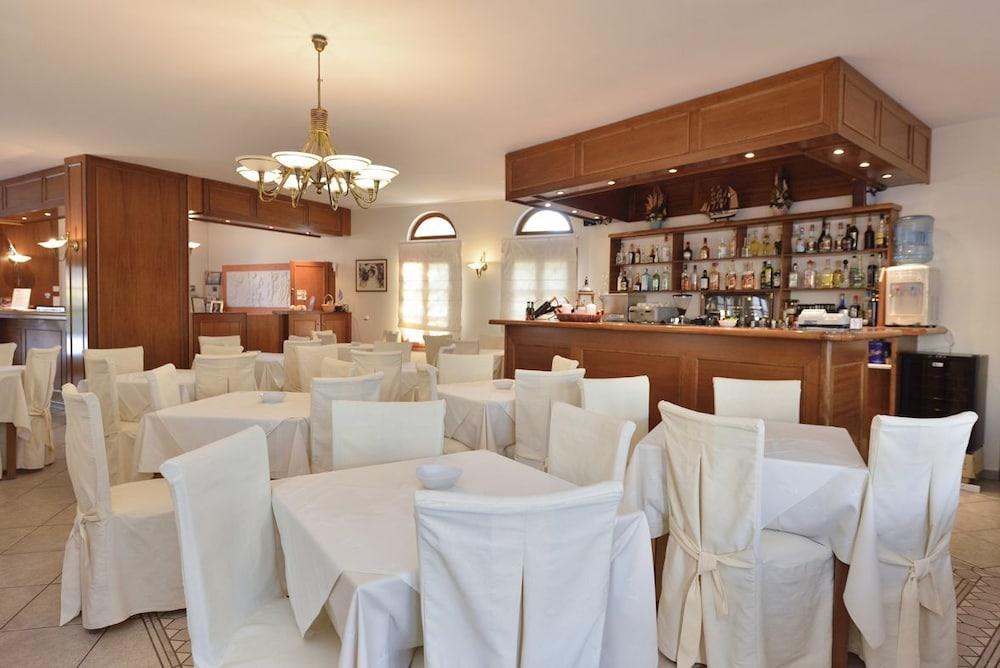 아스티르 오브 낙소스(Astir of Naxos) Hotel Image 36 - Dining