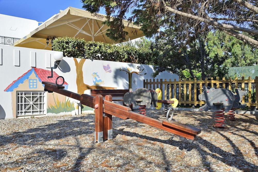 아스티르 오브 낙소스(Astir of Naxos) Hotel Image 34 - Childrens Play Area - Outdoor