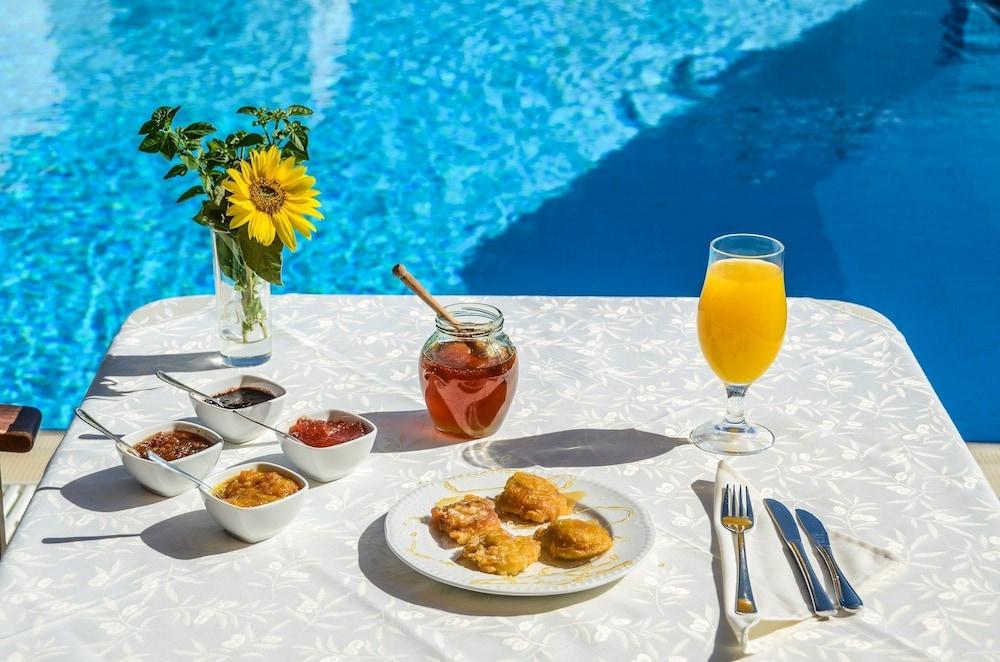 아스티르 오브 낙소스(Astir of Naxos) Hotel Image 47 - Outdoor Dining