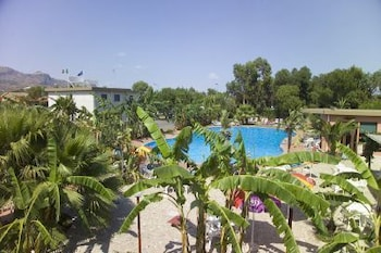 빌라지오 알칸타라(Villaggio Alkantara) Hotel Image 27 - Outdoor Pool