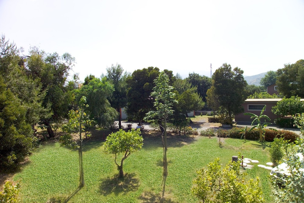 빌라지오 알칸타라(Villaggio Alkantara) Hotel Thumbnail Image 21 - Property Grounds