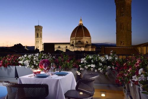 . San Firenze Suites & Spa