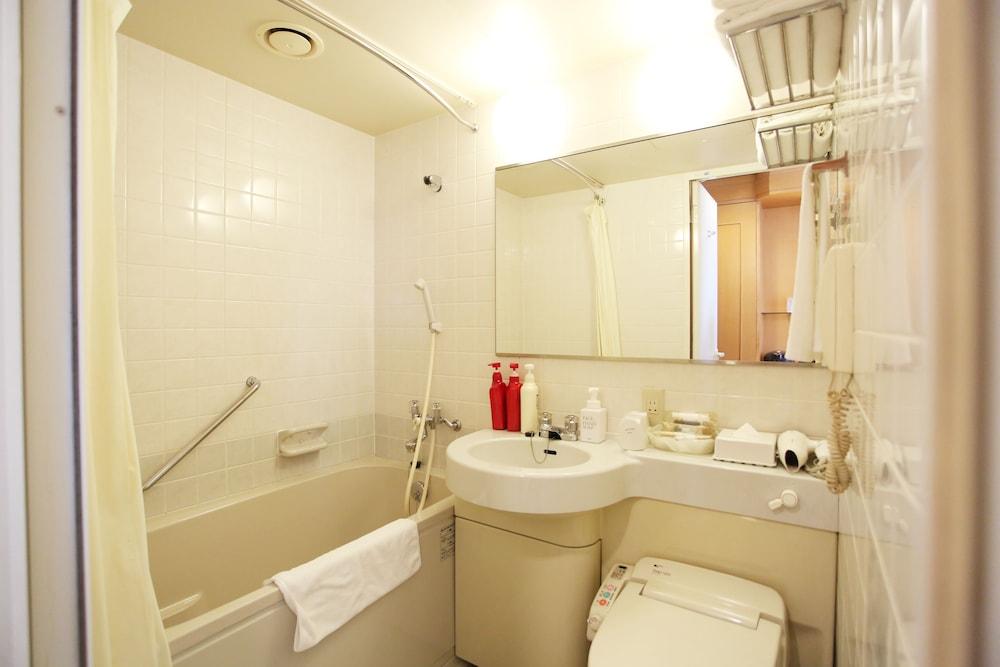 라구나 스위트 호텔 & 웨딩 나고야(Laguna Suite Hotel & Wedding Nagoya) Hotel Image 37 - Bathroom