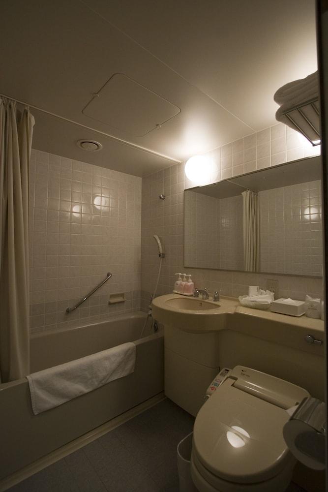 라구나 스위트 호텔 & 웨딩 나고야(Laguna Suite Hotel & Wedding Nagoya) Hotel Image 71 - Bathroom