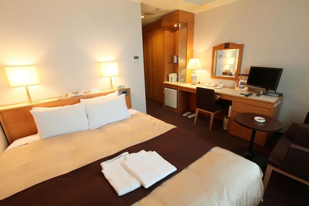 라구나 스위트 호텔 & 웨딩 나고야(Laguna Suite Hotel & Wedding Nagoya) Hotel Image 8 - Guestroom