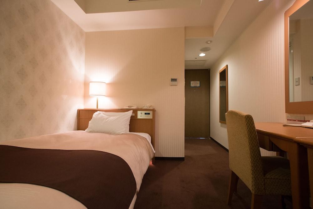 라구나 스위트 호텔 & 웨딩 나고야(Laguna Suite Hotel & Wedding Nagoya) Hotel Image 10 - Guestroom