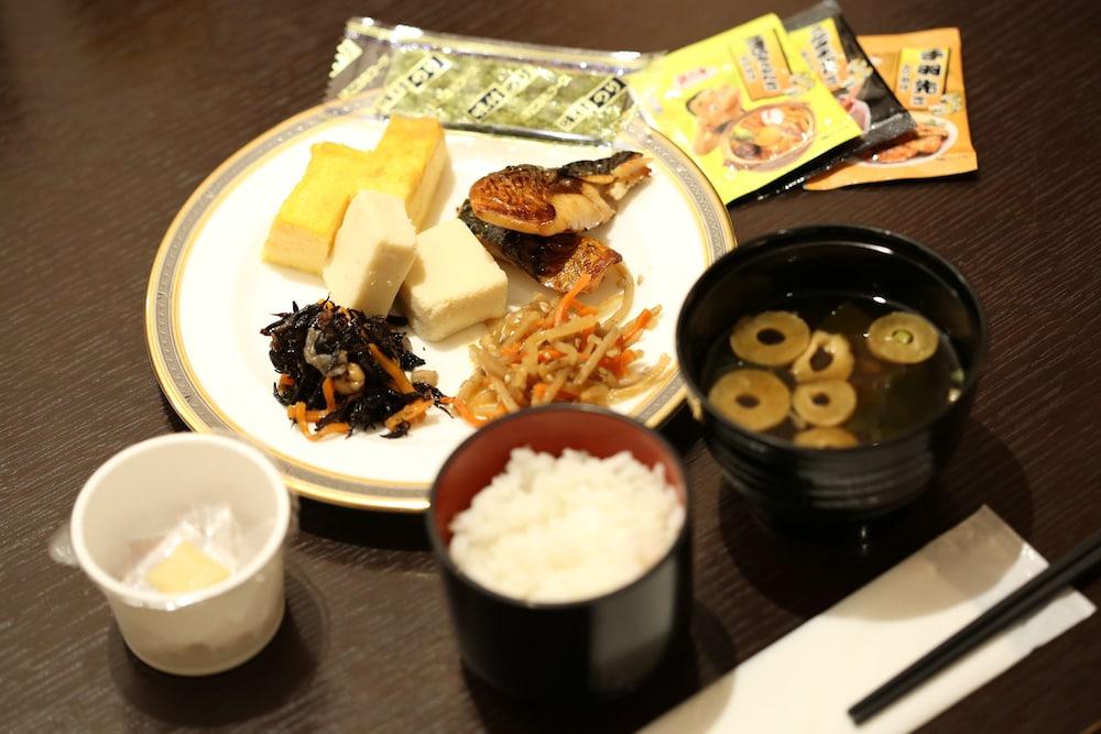 라구나 스위트 호텔 & 웨딩 나고야(Laguna Suite Hotel & Wedding Nagoya) Hotel Image 53 - Food and Drink