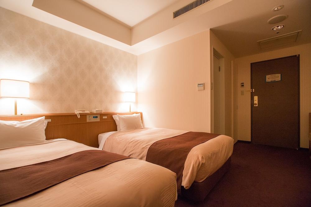 라구나 스위트 호텔 & 웨딩 나고야(Laguna Suite Hotel & Wedding Nagoya) Hotel Image 12 - Guestroom