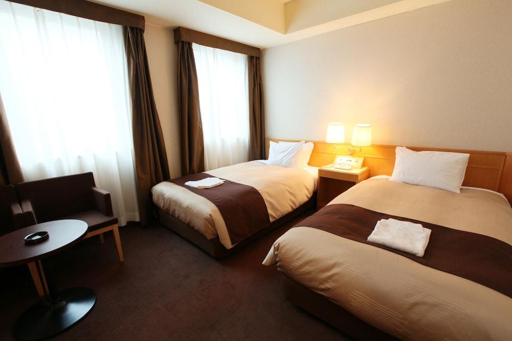 라구나 스위트 호텔 & 웨딩 나고야(Laguna Suite Hotel & Wedding Nagoya) Hotel Image 7 - Guestroom