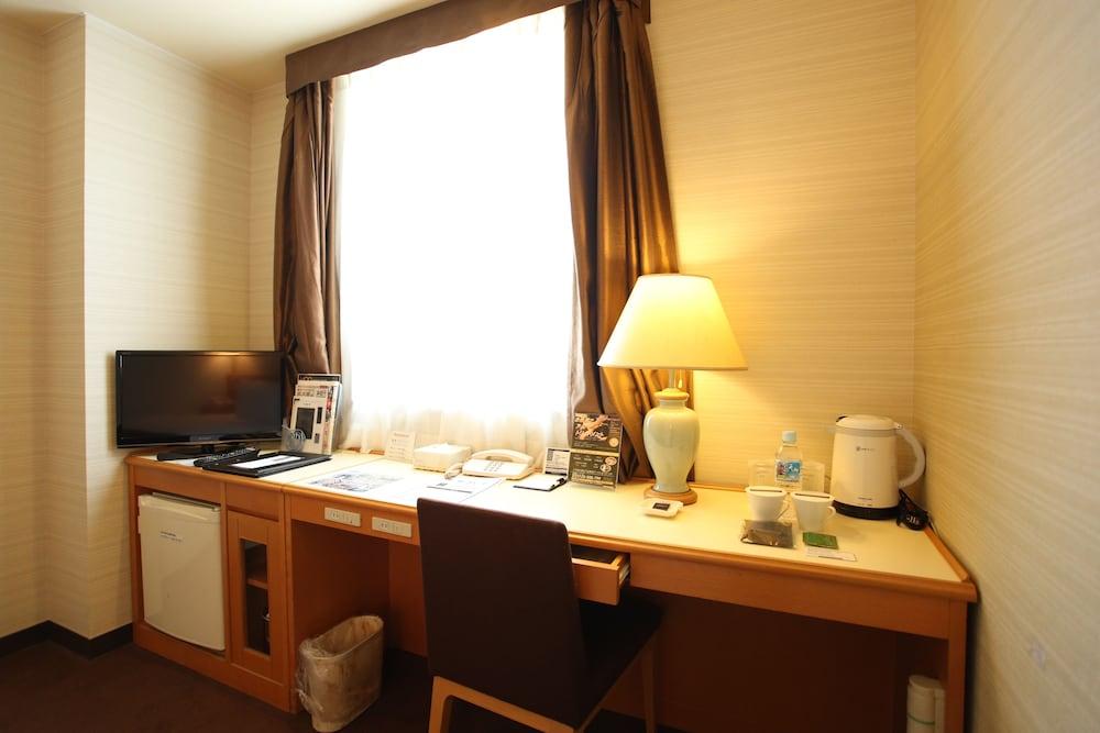 라구나 스위트 호텔 & 웨딩 나고야(Laguna Suite Hotel & Wedding Nagoya) Hotel Image 25 - Guestroom