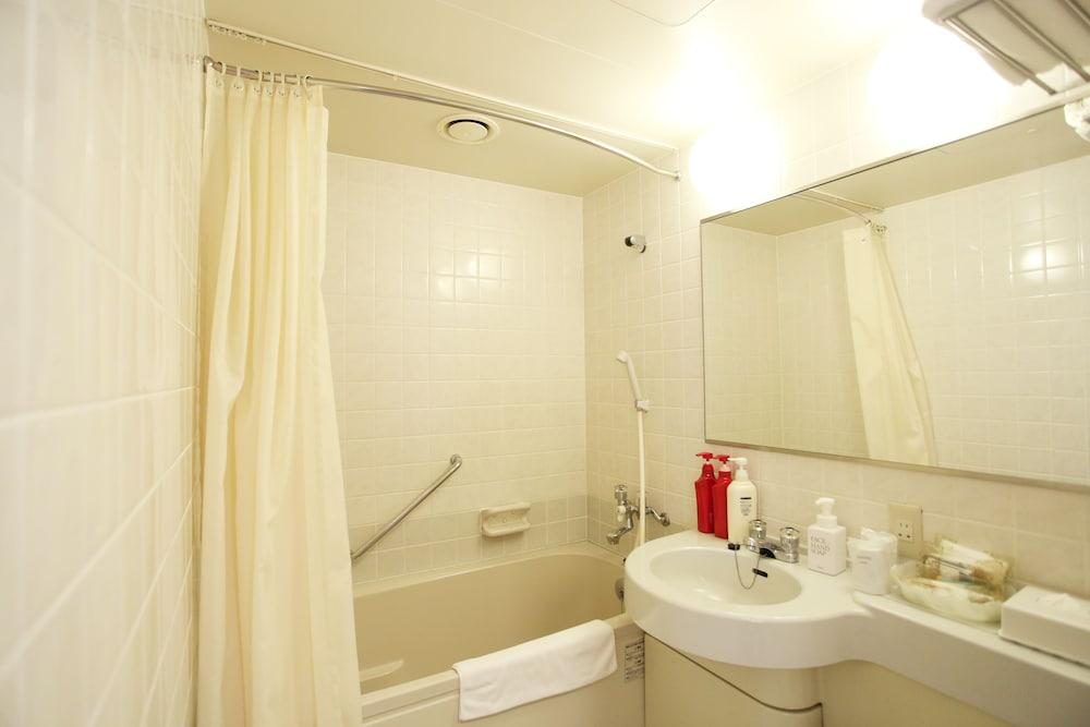 라구나 스위트 호텔 & 웨딩 나고야(Laguna Suite Hotel & Wedding Nagoya) Hotel Image 39 - Bathroom