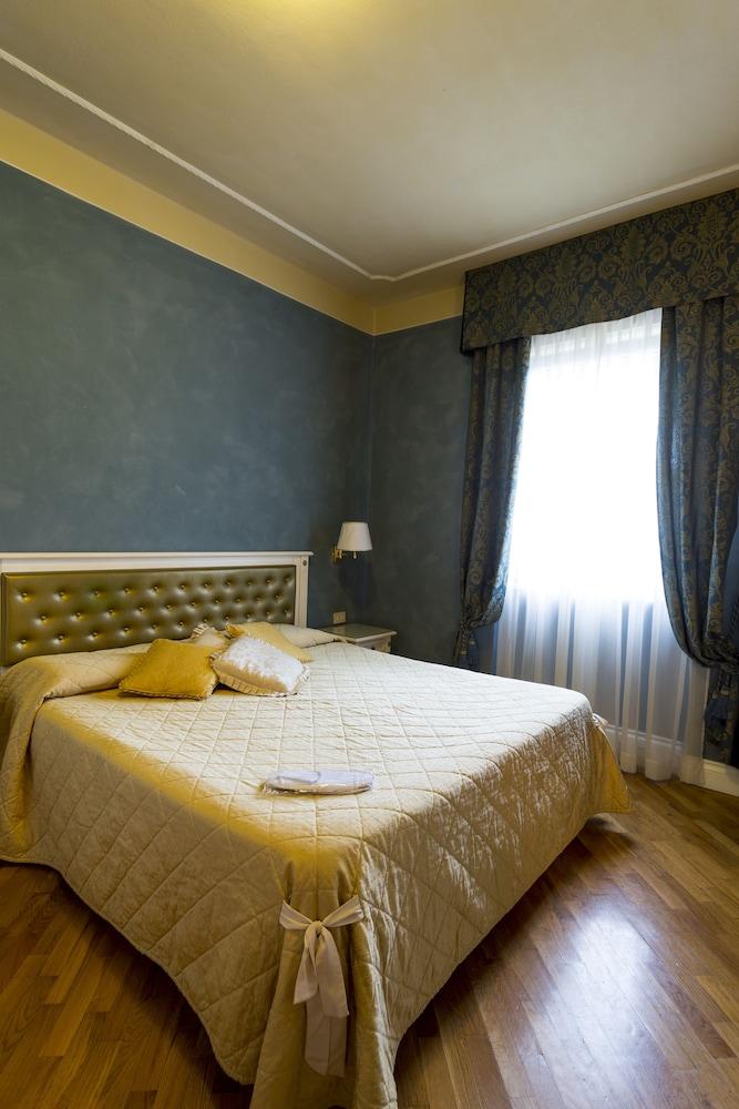 호텔 젠나리노(Hotel Gennarino) Hotel Image 40 - Guestroom