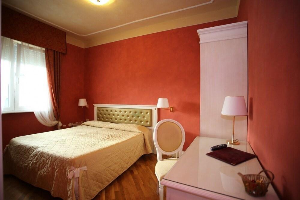 호텔 젠나리노(Hotel Gennarino) Hotel Image 16 - Guestroom
