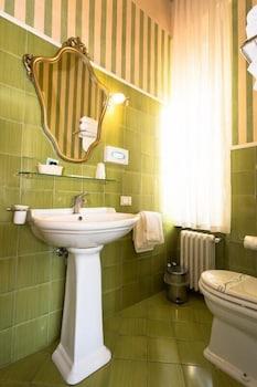호텔 젠나리노(Hotel Gennarino) Hotel Image 49 - Bathroom