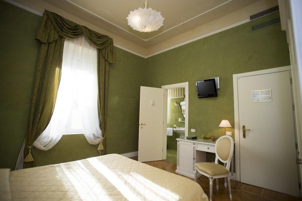 호텔 젠나리노(Hotel Gennarino) Hotel Image 35 - Guestroom