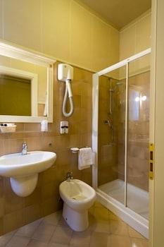 호텔 젠나리노(Hotel Gennarino) Hotel Image 46 - Bathroom