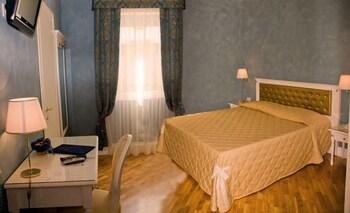 호텔 젠나리노(Hotel Gennarino) Hotel Image 6 - Guestroom