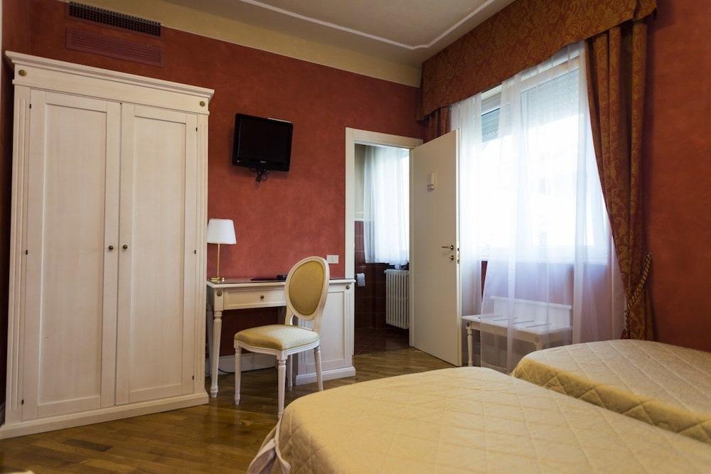 호텔 젠나리노(Hotel Gennarino) Hotel Image 27 - Guestroom