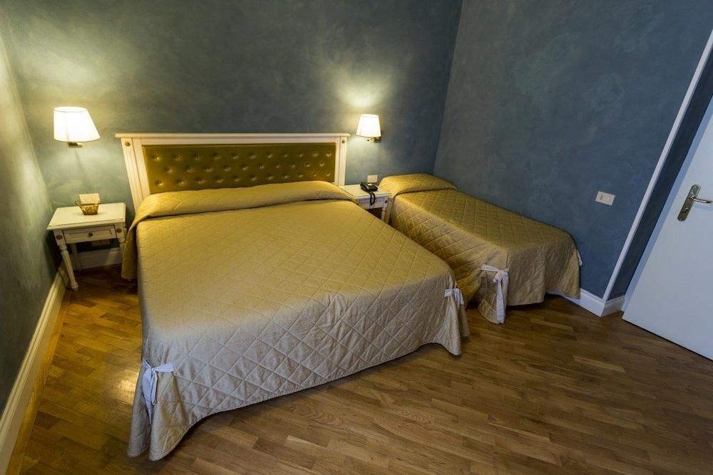 호텔 젠나리노(Hotel Gennarino) Hotel Image 25 - Guestroom
