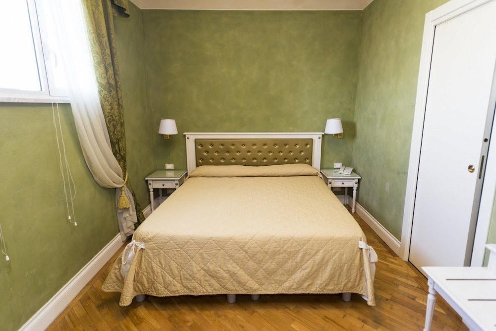 호텔 젠나리노(Hotel Gennarino) Hotel Image 14 - Guestroom