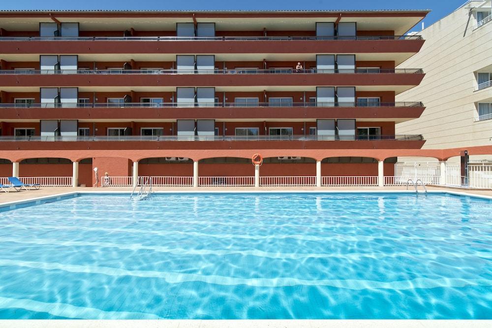 사예스 비치(Sallés Beach) Hotel Image 0 - Featured Image